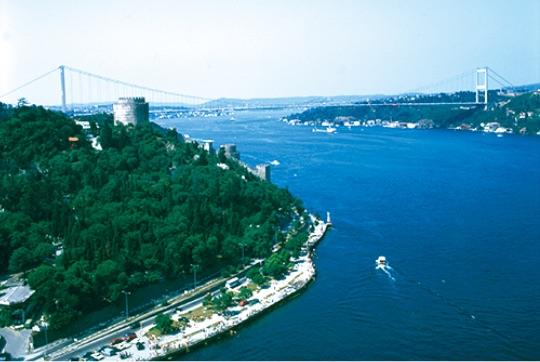 """日本とトルコのJVで建設されたアジアと欧州を繋ぐ第二ボスポラス大橋 - Japonya ve Türkiye'nin iş ortaklığıyla inşa edilen, Asya ile Avrupa'yı bağlayan """"Fatih Sultan Mehmet Köprüsü."""""""